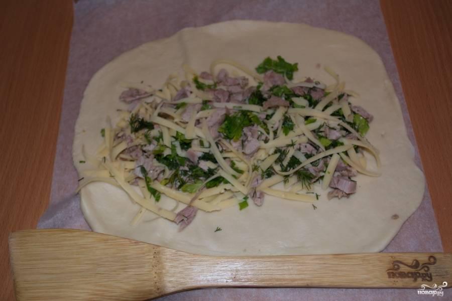 Пирог с курицей из дрожжевого теста - пошаговый рецепт