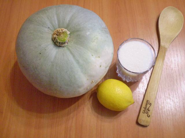 Подготовим продукты. Хочу обратить ваше внимание на то, что вес тыквы имеется ввиду чистый, без кожуры и костей.