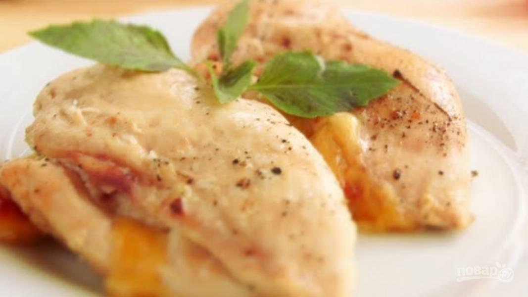 Куриные бедра филе с сыром в духовке