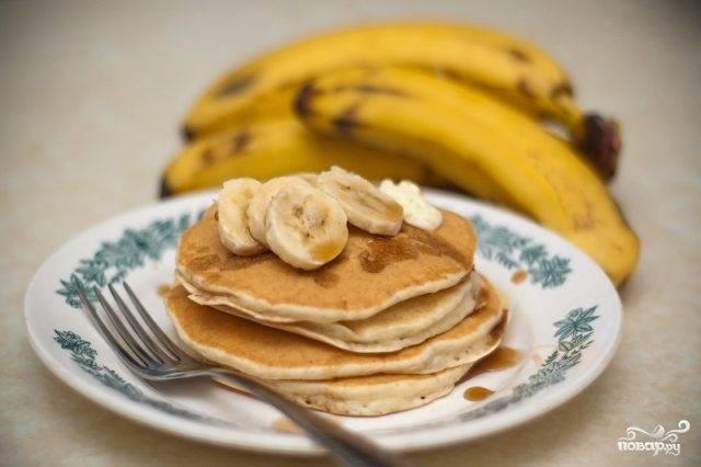 Панкейки с бананом