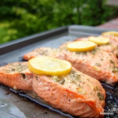 Запеченный лосось с чесноком и горчицей - пошаговый рецепт
