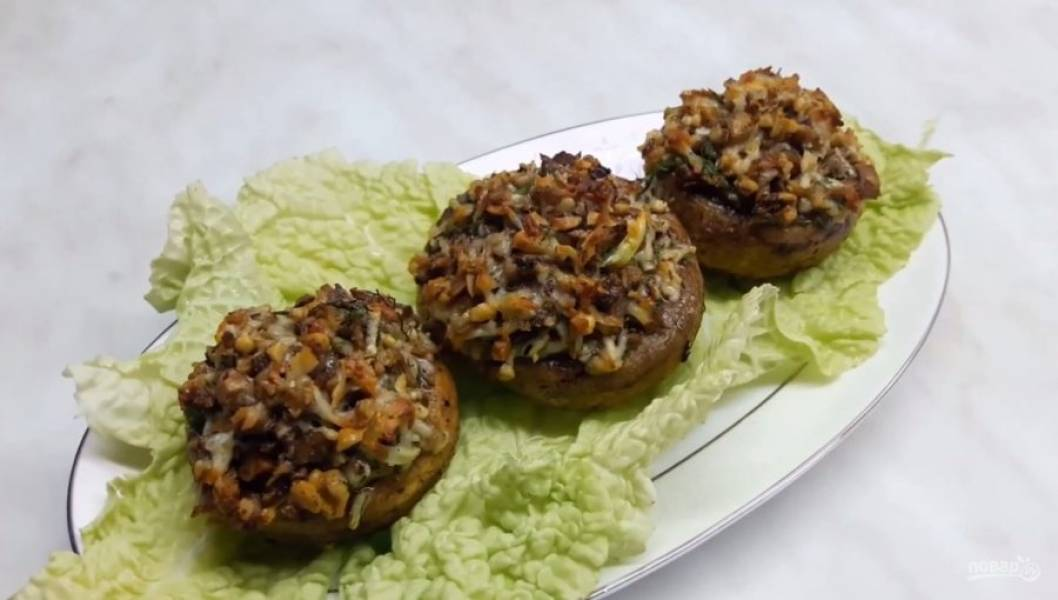 Грибы, фаршированные орехами и сыром - пошаговый рецепт