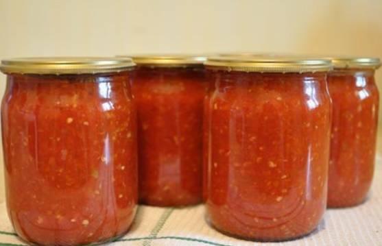 Аджика из помидоров и чеснока, без перца - пошаговый рецепт