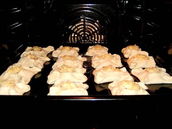 Расстегаи из горбуши - пошаговый рецепт