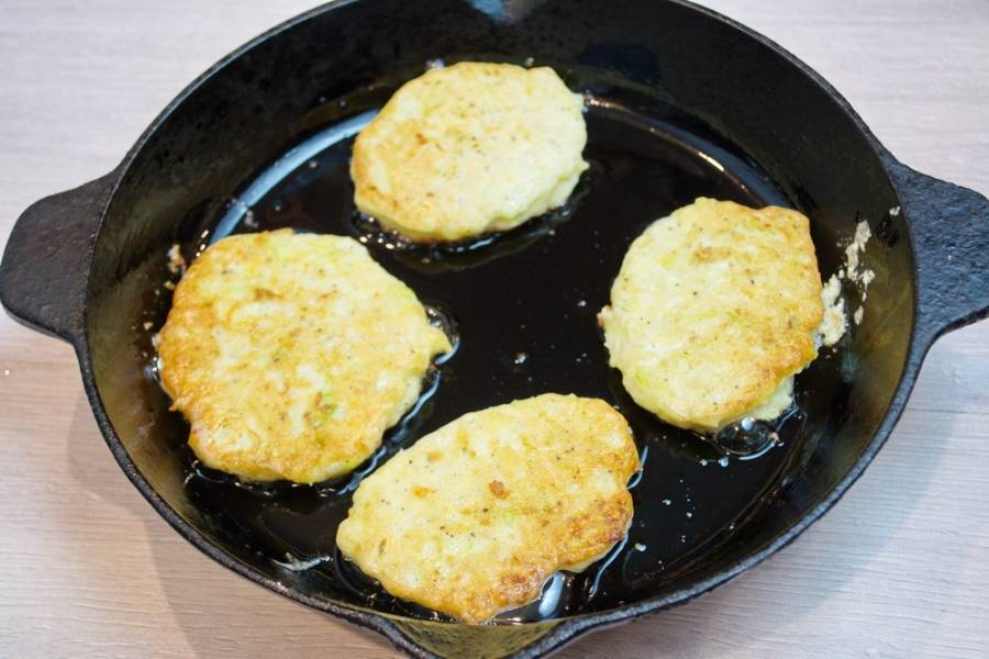 Котлеты из кабачков и картофеля - пошаговый рецепт