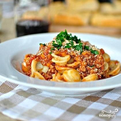 12. Болонезе - классический соус к пасте, особенно спагетти. Сварите и подавайте. Приятного аппетита