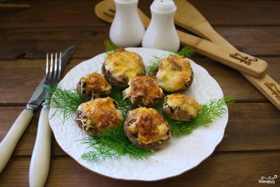 Начиненные грибы в духовке
