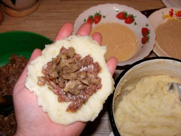 Зразы с мясом и грибами - пошаговый рецепт