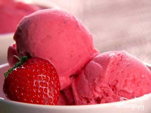 Клубничный замороженный йогурт - пошаговый рецепт