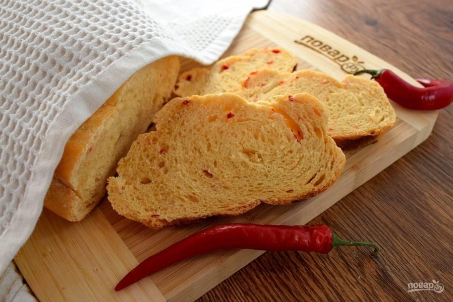 Хлеб с перцем чили