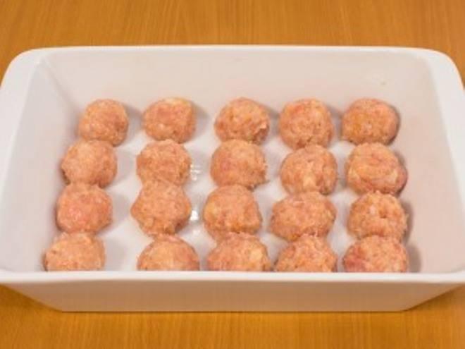 Куриные биточки в сливочном соусе - пошаговый рецепт