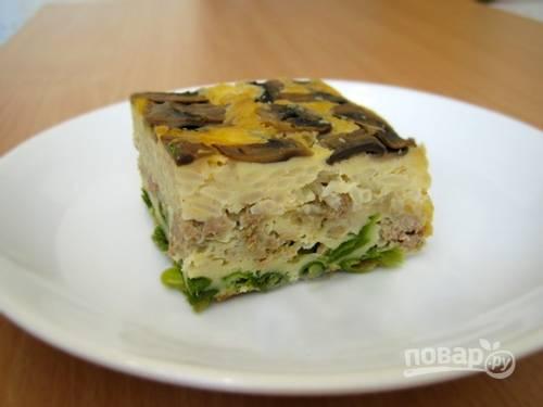 Пирог-перевертыш с грибами, фаршем и рисом