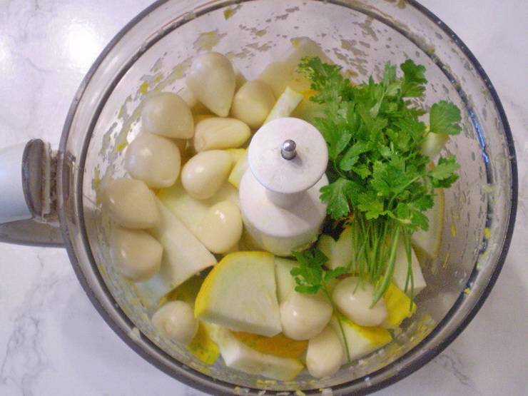 Аджика из кабачков на зиму острая - пошаговый рецепт
