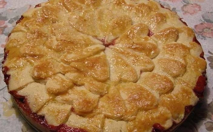 Пирог с клубникой из песочного теста с пошагово