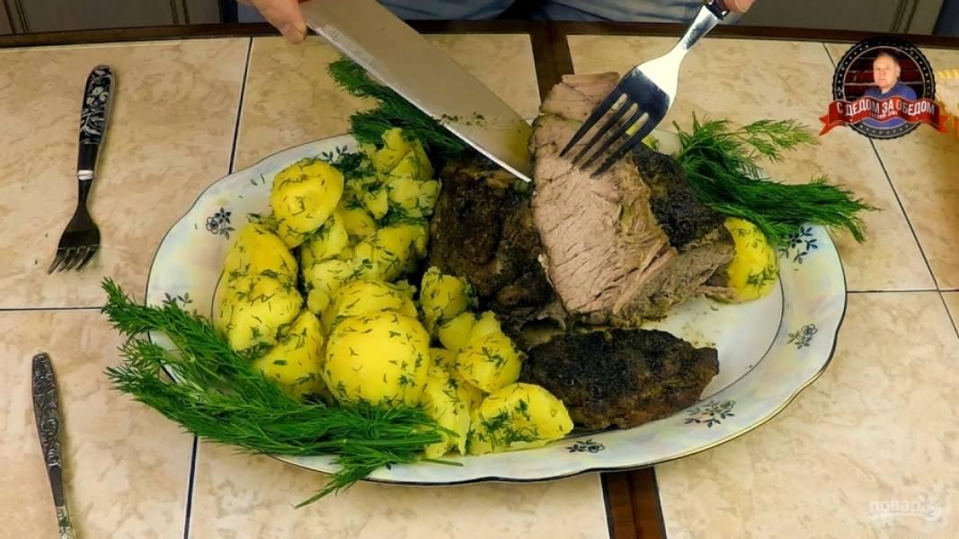 Свиная шейка, запечённая в рукаве с чесноком и приправами в духовке - пошаговый рецепт