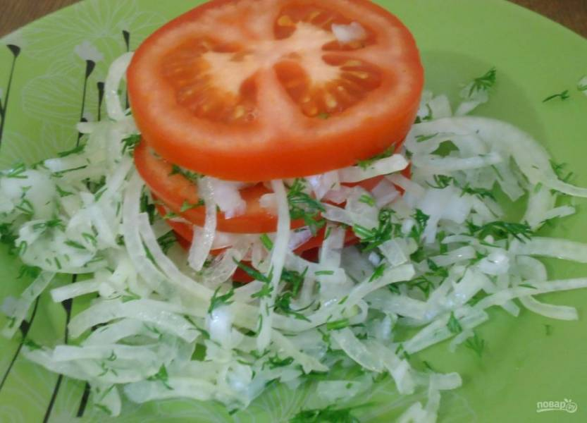 Салат с помидорами и луком к плову