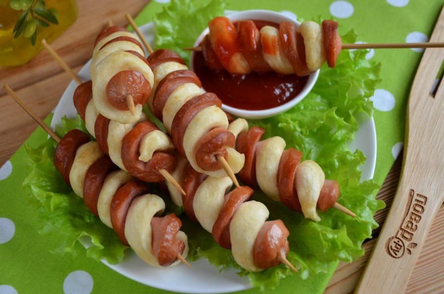 10 лучших блюд из сосисок и теста для тех, кто сильно занят