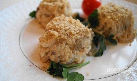 Салат с грибами, кальмарами и сыром