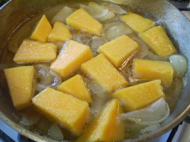 Суп-пюре из тыквы со сливками - пошаговый рецепт