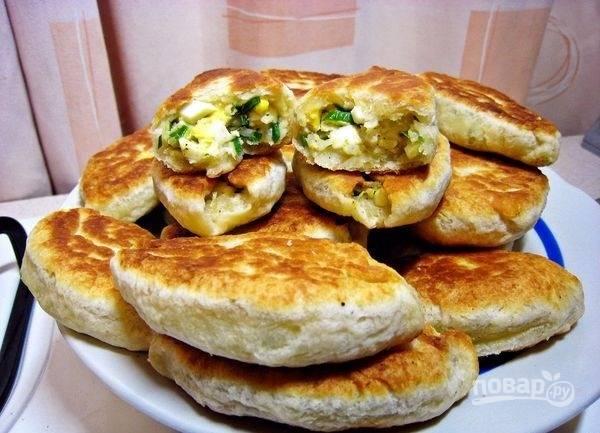 Пирожки с черемшой, рисом и луком