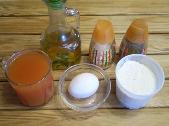 1. Приготовим продукты. Томатные сок я разбавила водой.