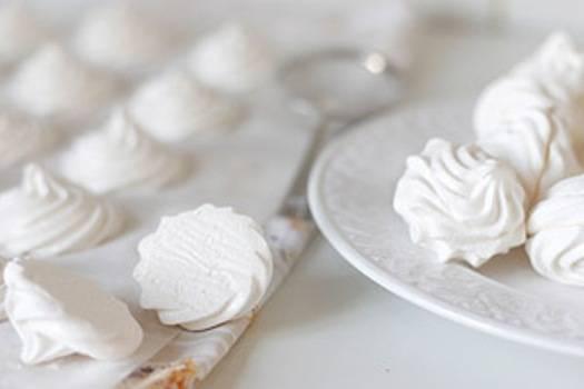 5. Есть еще рецепты, по которым можно приготовить этот десерт. Например, отправив подготовленный зефир в духовку на полчаса. Тогда у нас получится суфле с привкусом яблока.