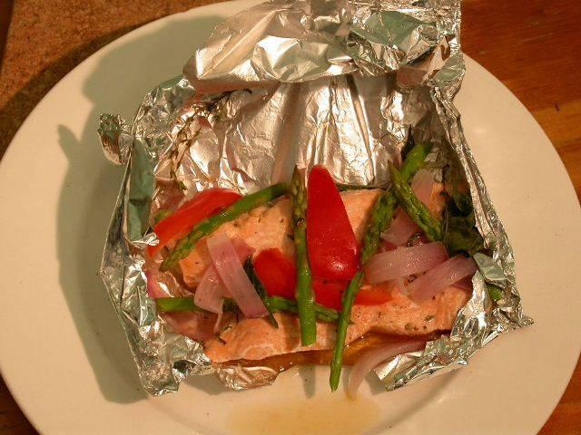 Кижуч, запеченный с овощами - пошаговый рецепт с фото на