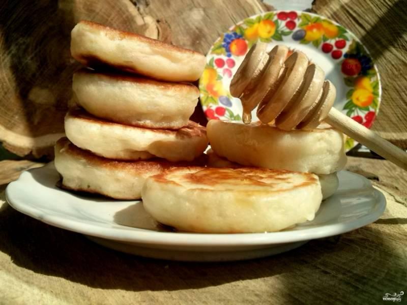 Подавайте с любимым  вареньем или медом. Приятного аппетита!