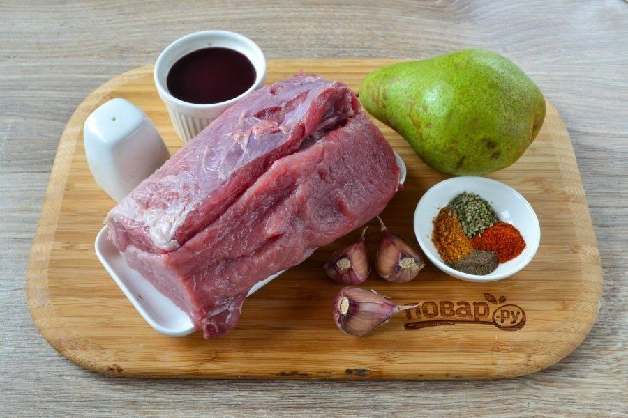 Ароматная свинина, запеченная с грушами - пошаговый рецепт