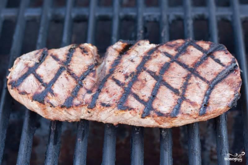 Стейк из говядины на гриле - пошаговый рецепт с фото на
