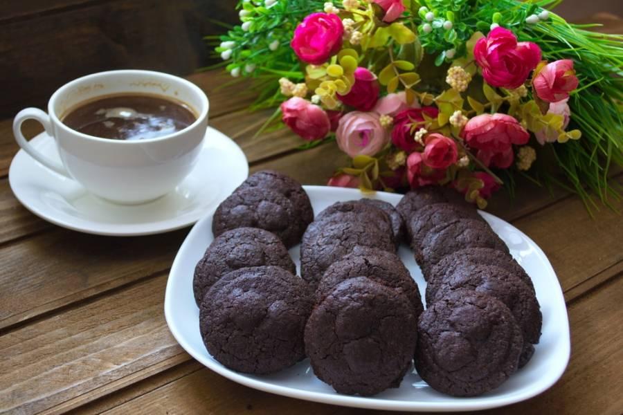 Мягкое шоколадное печенье с какао - пошаговый рецепт