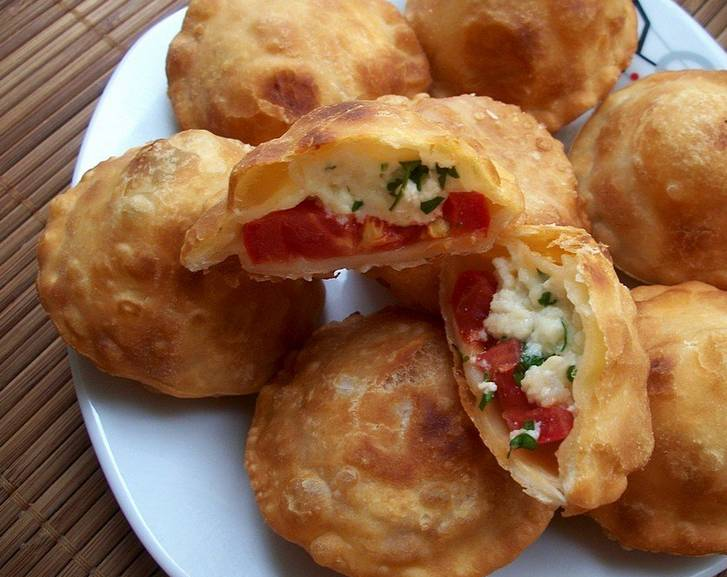 Пирожки - бомбочки - с помидорами - пошаговый рецепт с фото на