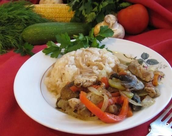 Соте из курицы с грибами