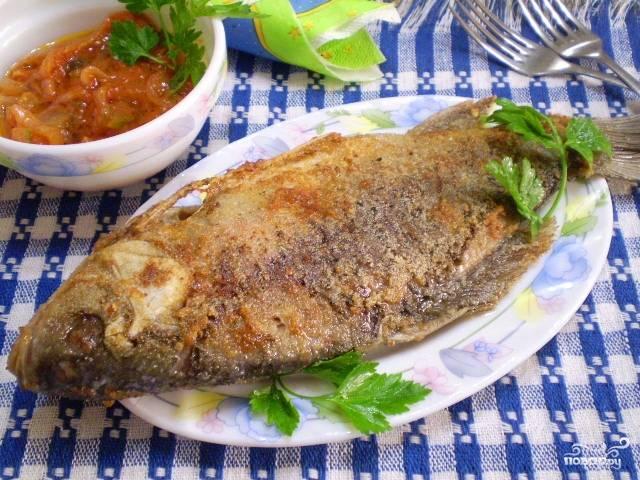 Жареная рыба в манке