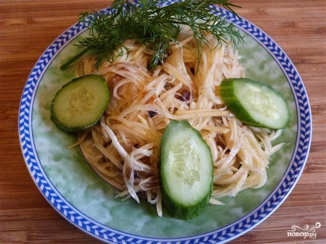 Салат с жареным луком