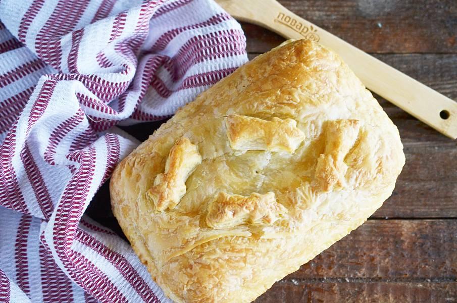 Пирог с рыбой и луком в горчичном соусе