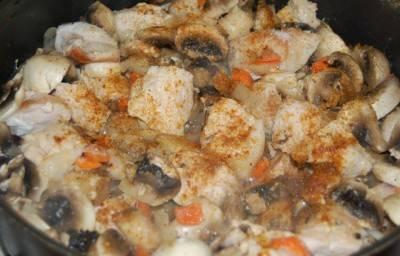 Курица тушеная с грибами - пошаговый рецепт с фото на