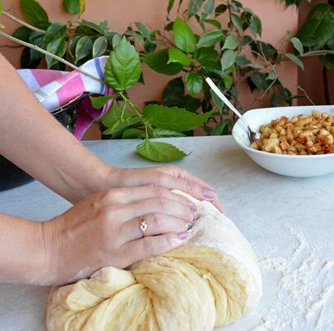 Дрожжевое тесто для рыбного пирога - пошаговый рецепт с фото на