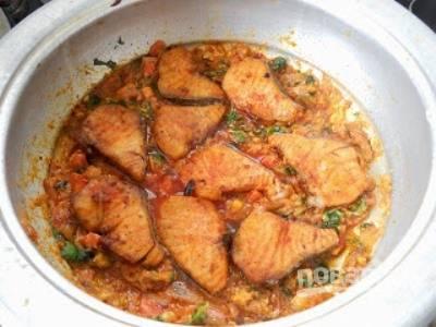 Рыба с пряным рисом и орехами - пошаговый рецепт