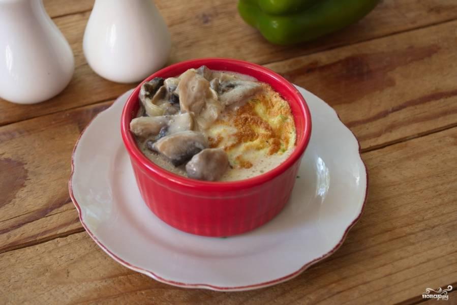 Суфле из кабачков с грибным соусом