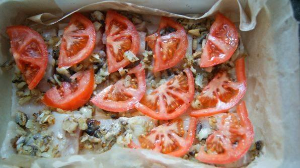 Минтай в духовке с грибами - пошаговый рецепт
