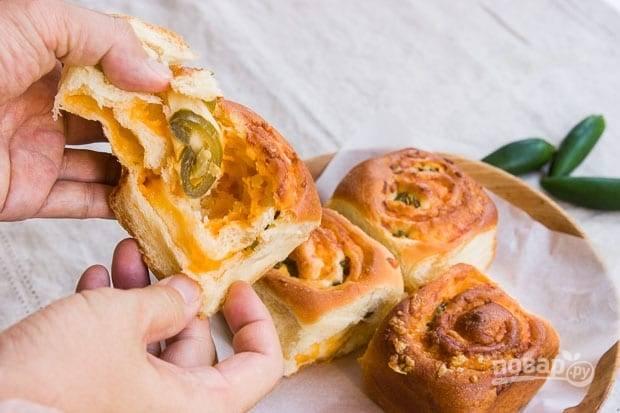 Рулеты с сыром и перцем