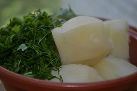 Котлета на кости с чесночным картофелем - пошаговый рецепт