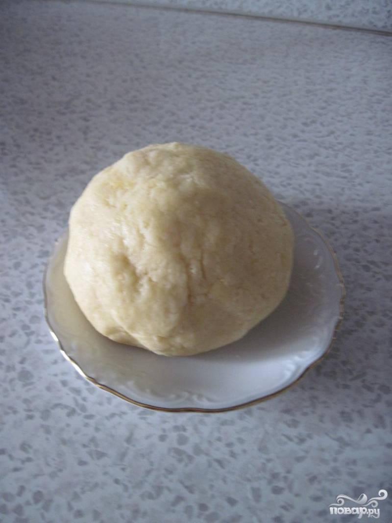 скатать тесто в шар