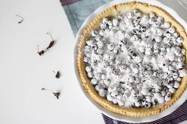 Песочный пирог со смородиной - пошаговый рецепт с фото на
