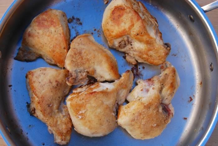 Курица, тушеная в томатном соусе - пошаговый рецепт