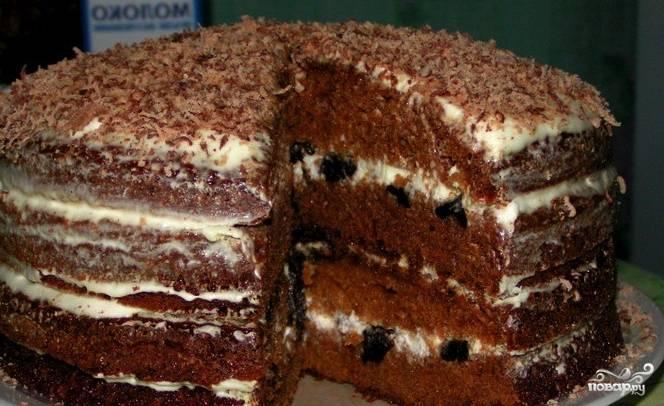 Шоколадный торт с черносливом и орехами - пошаговый рецепт