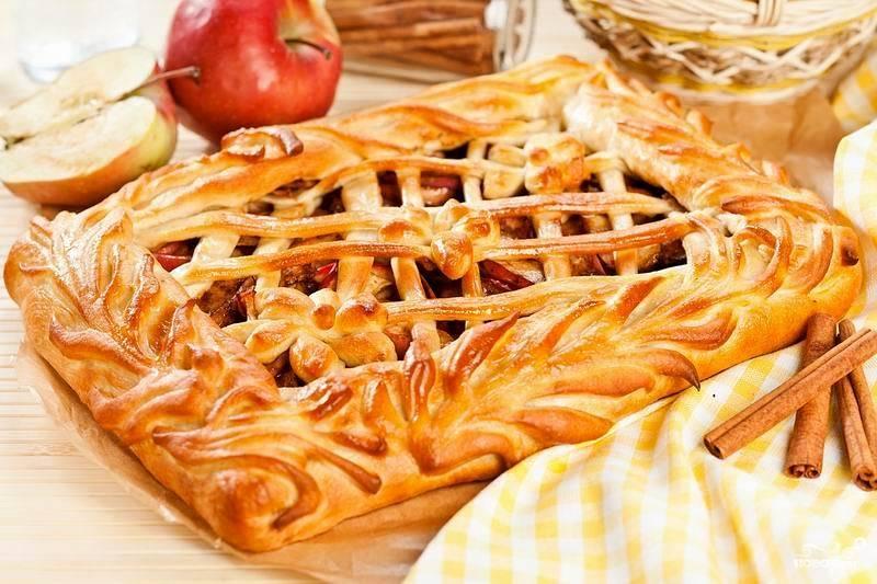 Рецепт открытого яблочного пирога из дрожжевого теста