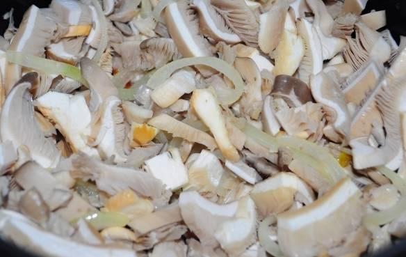Жареные грибы в мультиварке - пошаговый рецепт с фото на