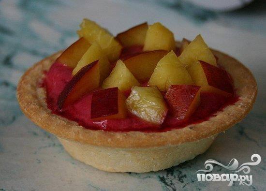Холодные пирожные из вишни в тарталетках